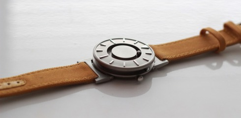 A-Timepiece-Designed-to-Touch-and-See